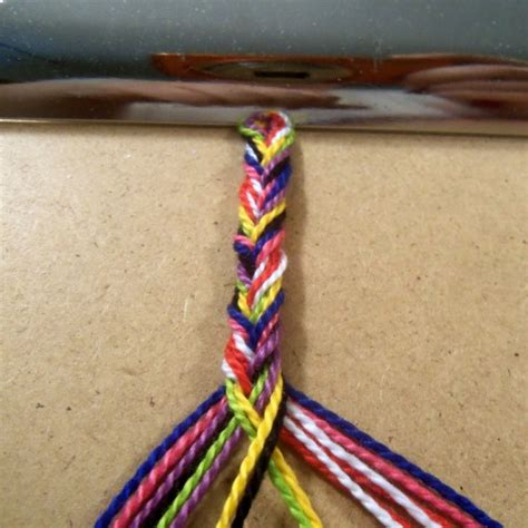 how to make a fishtail braid bracelet style on