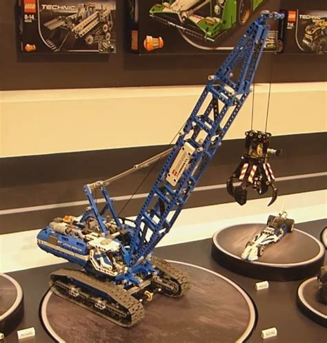 Lego Crawler Crane 42042 lego technic 42042 crawler crane by ryanthescooterguy on