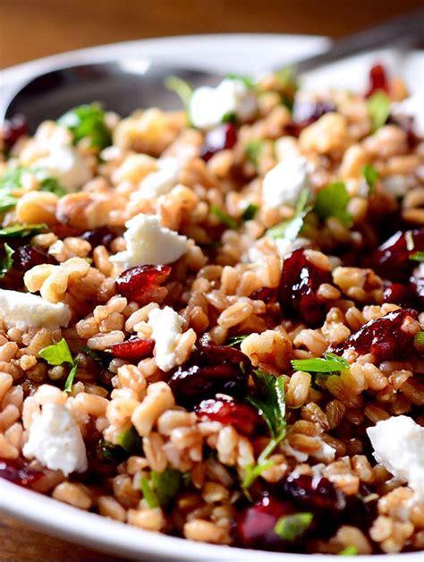 come cucinare il farro decorticato il farro salute ed energia in un unico piatto