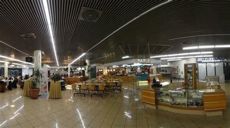 parcheggio terminal gianicolo con ingresso da via urbano viii area giochi foto di self service restaurant terminal