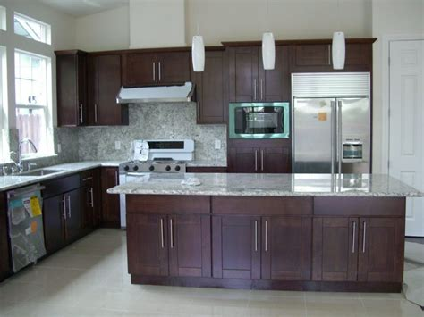 grey kitchen cabinets what color floor brown cabinets with gray floors savae org
