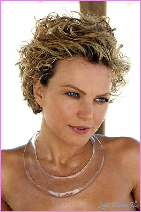 hair cuts for curly hair for mixedme short hair cuts for women curly latestfashiontips com