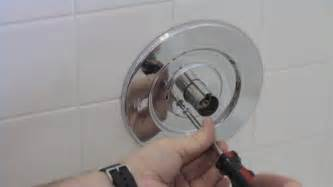 leaky bathtub faucet single handle how to repair a leaky bath faucet ehow uk