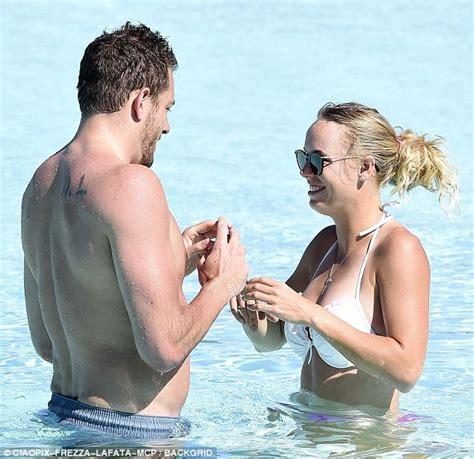 Caroline Wozniacki And David Lee Kiss On Italian Vacation Daily Mail Online