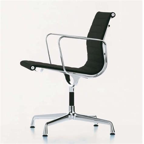 vitra ea  aluminium chair chaise de bureau vitra ambientedirectcom