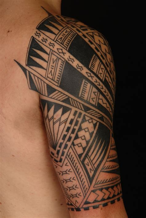 tribal hawaiian tattoos maori polynesian polynesian half sleeve