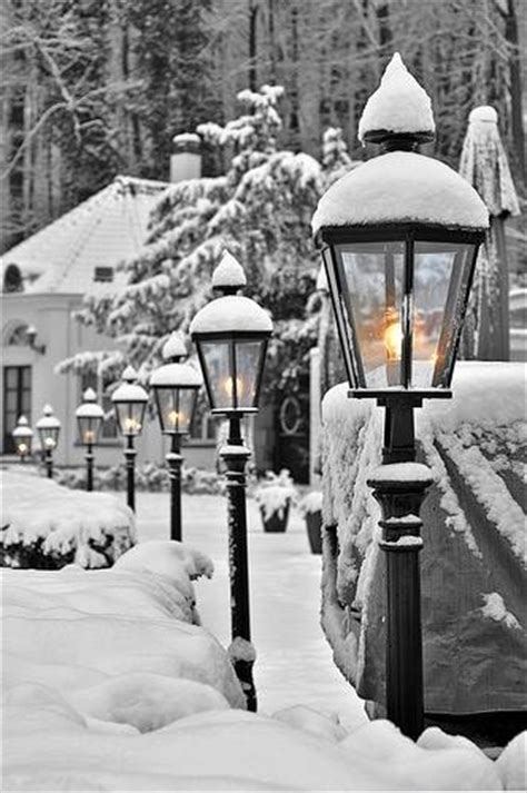 pretty street lights   winter pictures