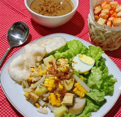 gado gado film jadul indonesia 54 daftar minuman dan makanan khas betawi jakarta