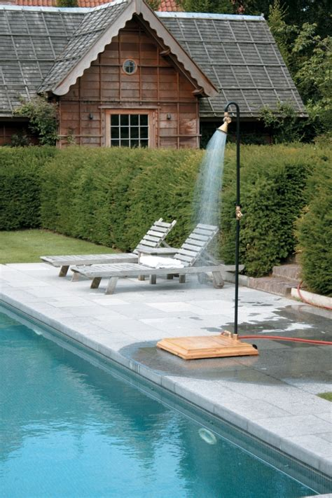 Outdoor Portable Shower by Best 25 Portable Outdoor Shower Ideas On C