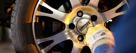 Motorrad Reifen Mit Felgen by Komplettr 228 Der Pkw Reifen Und Felgen