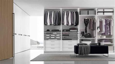 divisione interna armadio acquistare un armadio come scegliere gli spazi interni