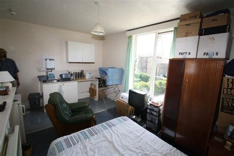 bed sit studio flat to rent in bedsit 3 20 upper fant road maidstone me16 8dn me16