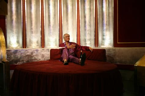 hugh hefner bedroom hugh hefner dead playboy founder found not breathing at