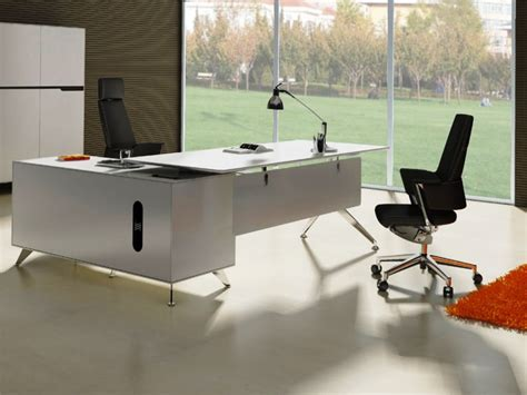Big Advantages Of L Shaped Executive Desk Big L Shaped Desk