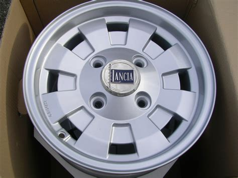 Lancia Fulvia Wheels Lancia Fulvia Cpe Hf 1 6 Wheel Cromodora 6x14 Part No