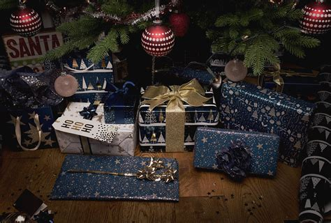 Where Can I Use My Big W Gift Card - magnificent midnight blue christmas gift wrap whsmith blog