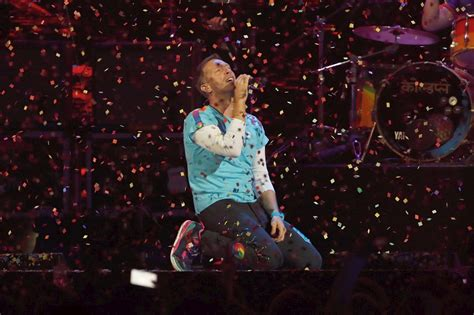 coldplay new song 2017 download watch the chainsmokers coldplay perform their new collab