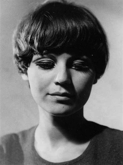 bowl cuts on pinterest bowl cut funky hair and bowl short hairstyles and cuts messy and funky bowl cut 2015
