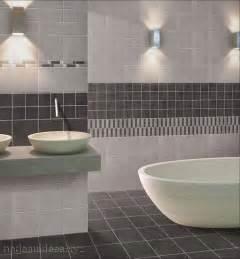 couleur de salle de bain avec carrelage gris peinture
