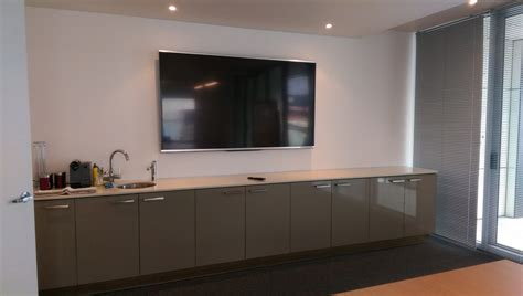 80 Inch Tv On Wall by 80inch Tv Wall Mounting In Boardroom At Derrimut Antennify