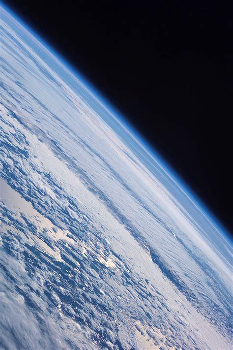 freeios earth cosmos parallax hd iphone ipad wallpaper