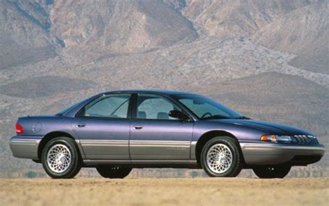 used 1995 chrysler lhs sedan pricing features edmunds used 1993 chrysler concorde pricing for sale edmunds