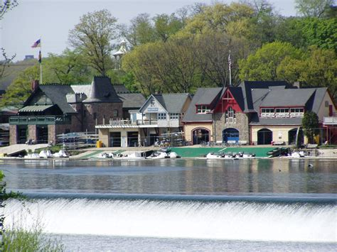 boat row houses philadelphia file boathouse row zoom jpg