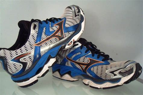 mizuno running shoe review mizuno wave nirvana 8 running shoes review running shoes