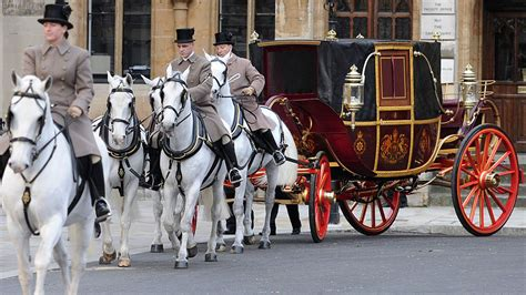 The Royal Wedding Countdown Begins Security Practise Their Route by Royal Wedding Pageantry Vs Security Channel 4 News