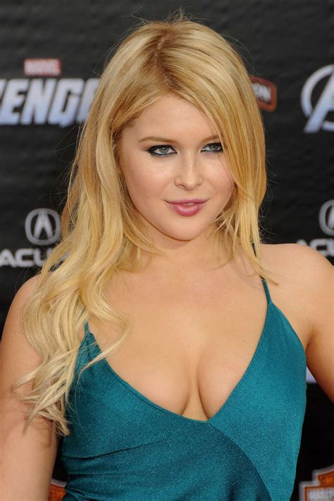 renee olstead at premiere the avengers 23 fabzz