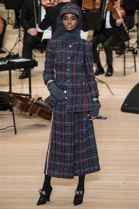 Sepatu Fashion Chanel A18 Dewasa chanel pre fall 2018 fashion show collection catwalks 2018