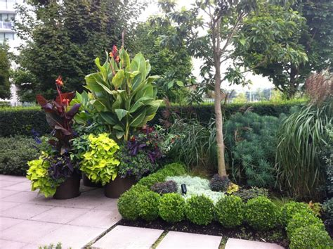 Balinese Home Decorating Ideas by A Modern Tropical Patio Garden Tropical Landscape