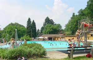 schwimmbad staufen freizeit ferienwohnung burg vogesenblick staufen im