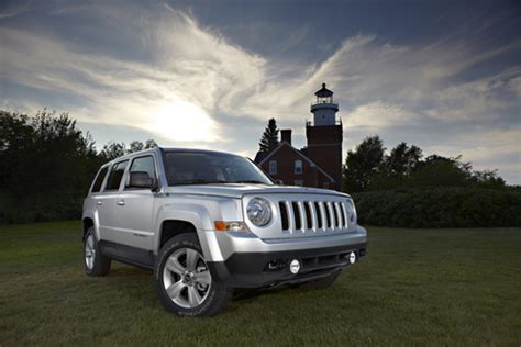 2012 Jeep Compass Recall 2010 2012 Jeep Patriot Compass Recalled For Airbag Defect