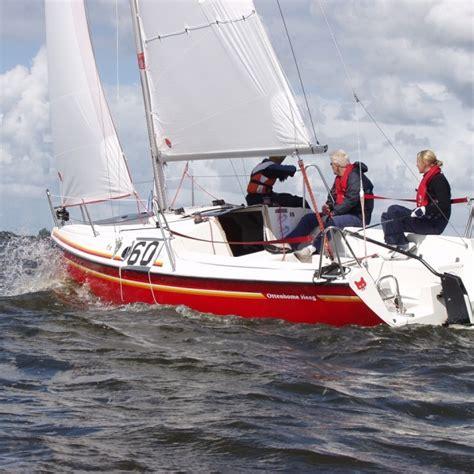 sportieve kajuitzeilboot kajuitzeilboot huren botentehuur nl