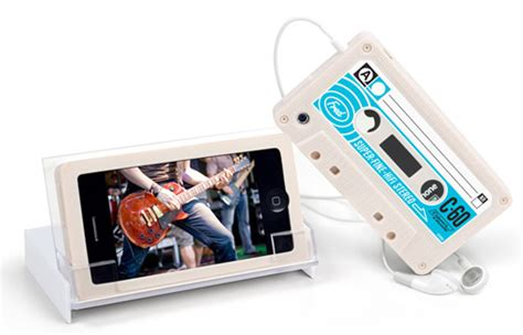 Cassette World Iphone 55c5s Cover mix up your iphone s style with a cassette pcworld