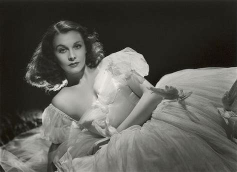 five great shots from five classic hollywood black white films black and white hollywood glamour shots vivien leigh