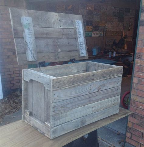 best 25 pallet toy boxes ideas on pinterest diy toys wood pallet projects and storage chest