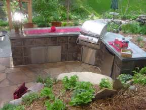 6 sample pictures to build a cozy outdoor kitchen modern