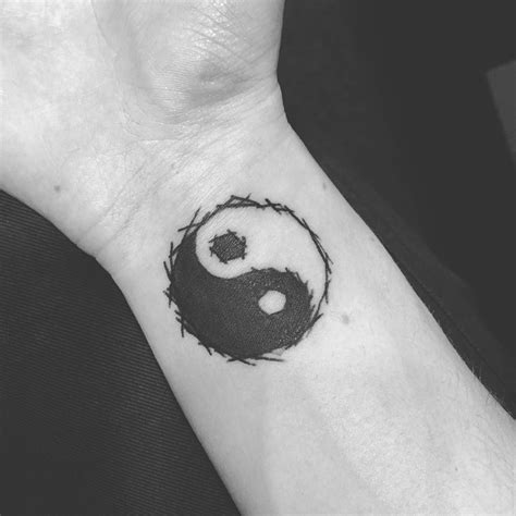 yin yang tattoos wrist awesome top 100 yin yang tattoos http 4develop ua