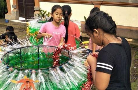 membuat pohon natal dari botol plastik sdn1 mambang bikin pohon natal dari sah plastik