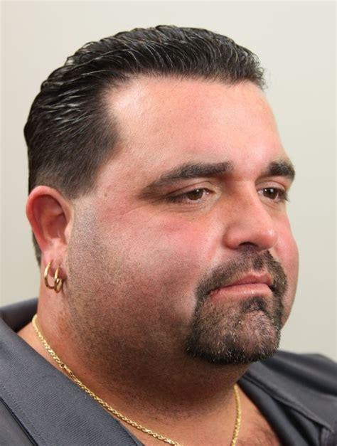model rambut pria gaya potongan pendek panjang