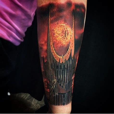 eye of sauron tattoo such a great eye of sauron done by the amazingly