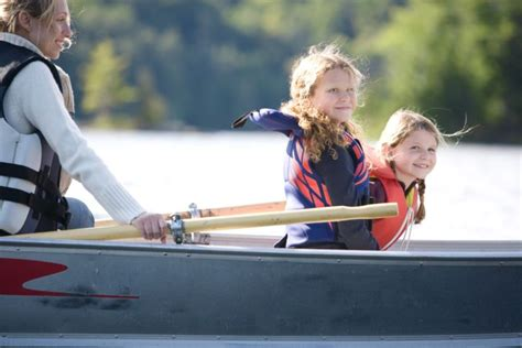 row your boat actions kid s song row your boat lyrics and actions parenthub