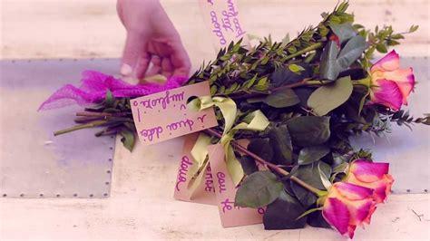 come confezionare un mazzo di fiori un mazzo di fiori personalizzato