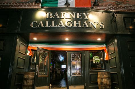 st s day chicago bars what makes a traditional bar chicago tribune