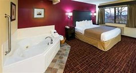 hotels with in room in ri americinn lodge suites south updated 2017 hotel reviews price comparison monona
