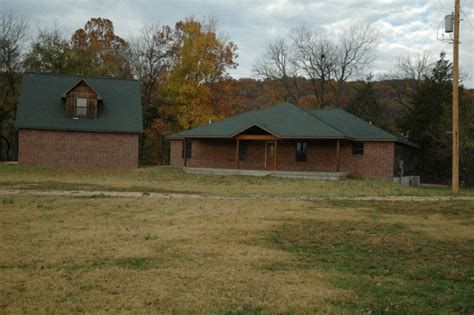 Noel Missouri Cabins by Elk River House Shady Cground In Noel Missouri