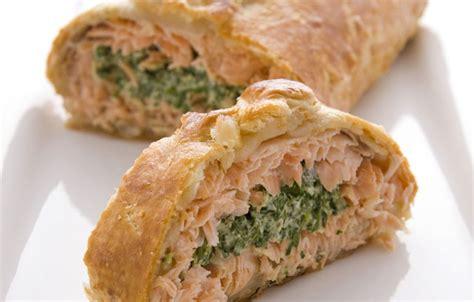 Salmon Encroute salmon en croute jw recipes