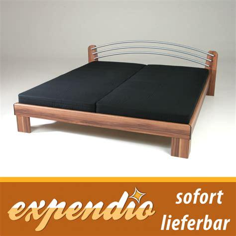 futonbett 180x200 mit matratze bett 180x200 komplett nussbaum mit matratze lattenrost